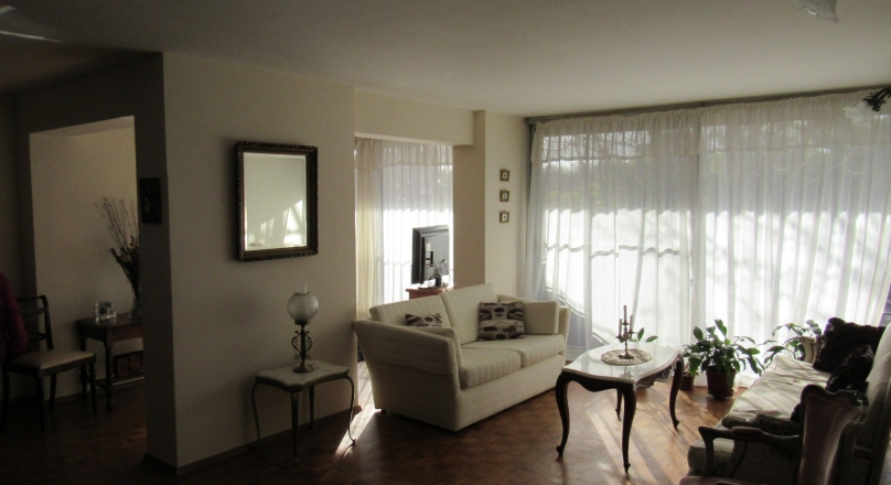 APARTAMENTO SOBRE AV. GENERAL FLORES, IMPECABLE ESTADO